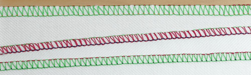 ścieg owerlokowy 3 nitkowy (krawędź prosta)