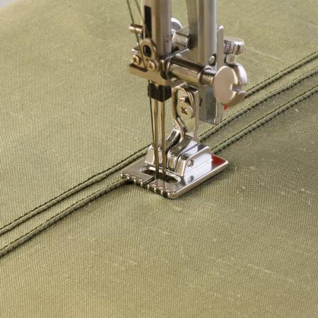 Stopka do wszywania kordu i wypustek (2,5 mm) Janome (rotacyjny 9 mm), fig. 1
